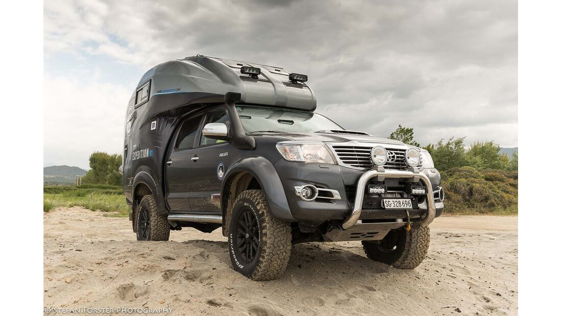 Toyota Hilux Expedition