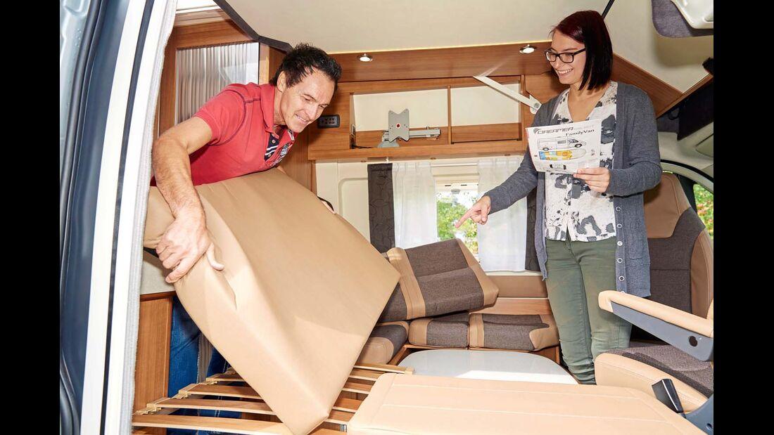 Trotz praktischer Schnellanleitung Umbau der Sitzgruppe zum Bett relativ kompliziert und wenig zufriedenstellend im Dreamer Family Van