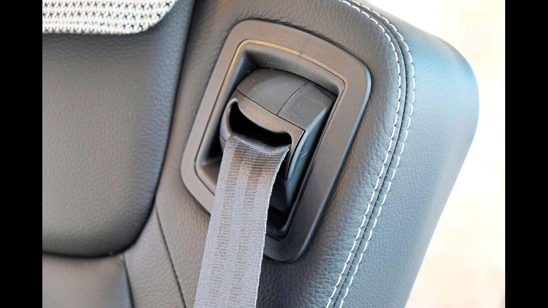 Um sechs Zentimeter kann der Umlenkpunkt des integrierten Gurts beim SKA 1800 verstellt werden