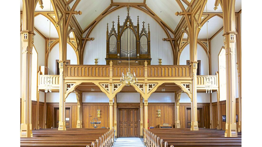 Vågan Kirke in Kabelvåg: erbaut 1898