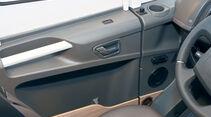 Vergleich: Integrierten-Cockpits, Tuerverkleidung Adria