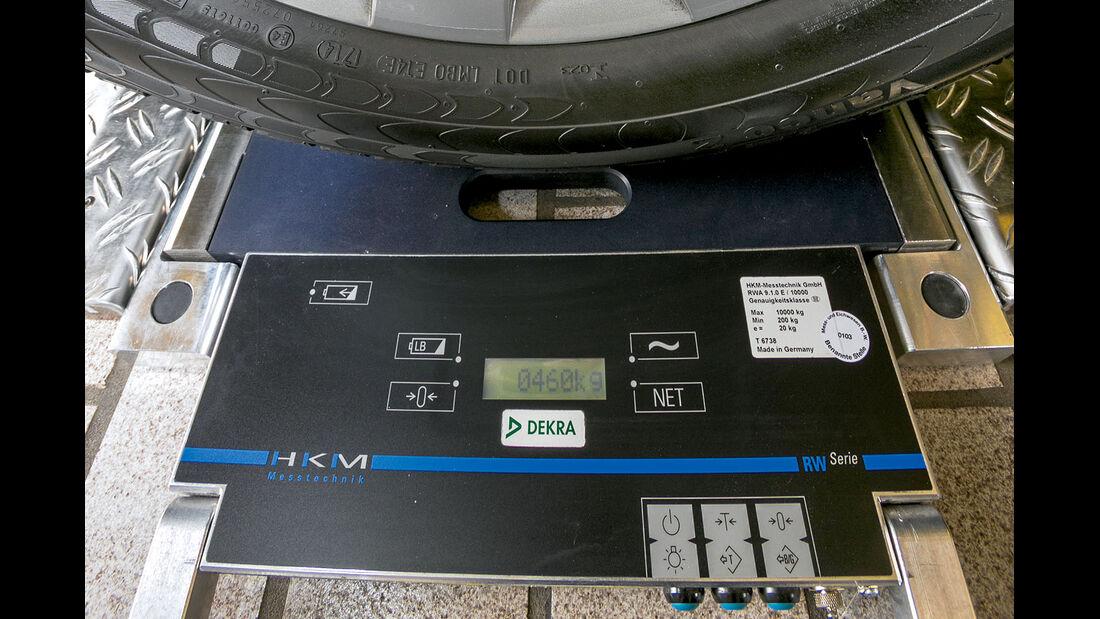 Vergleichstest, Basisfahrzeuge, Gewichte & Kosten: Radlastwaage