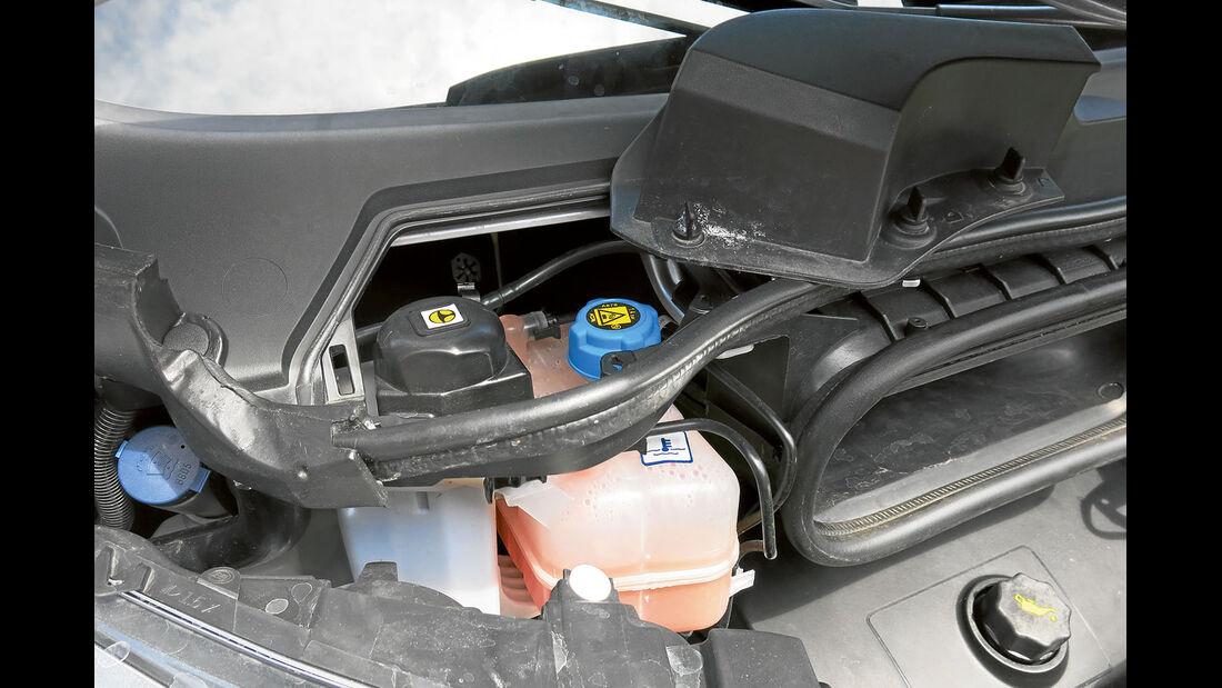 Vergleichstest, Basisfahrzeuge, Servicefreundlichkeit: Fiat-Bremsflüssigkeit
