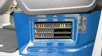Vergleichstest, Basisfahrzeuge, Servicefreundlichkeit: Mercedes-Sicherungen
