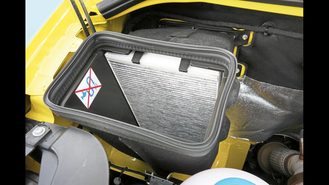 Vergleichstest, Basisfahrzeuge, Servicefreundlichkeit: VW Pollenfilter