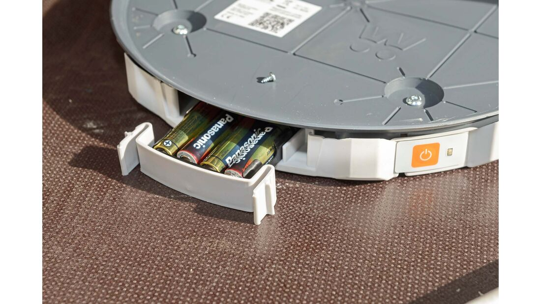 Vier AA-Batterien versorgen  die Gaswaage mit Strom.