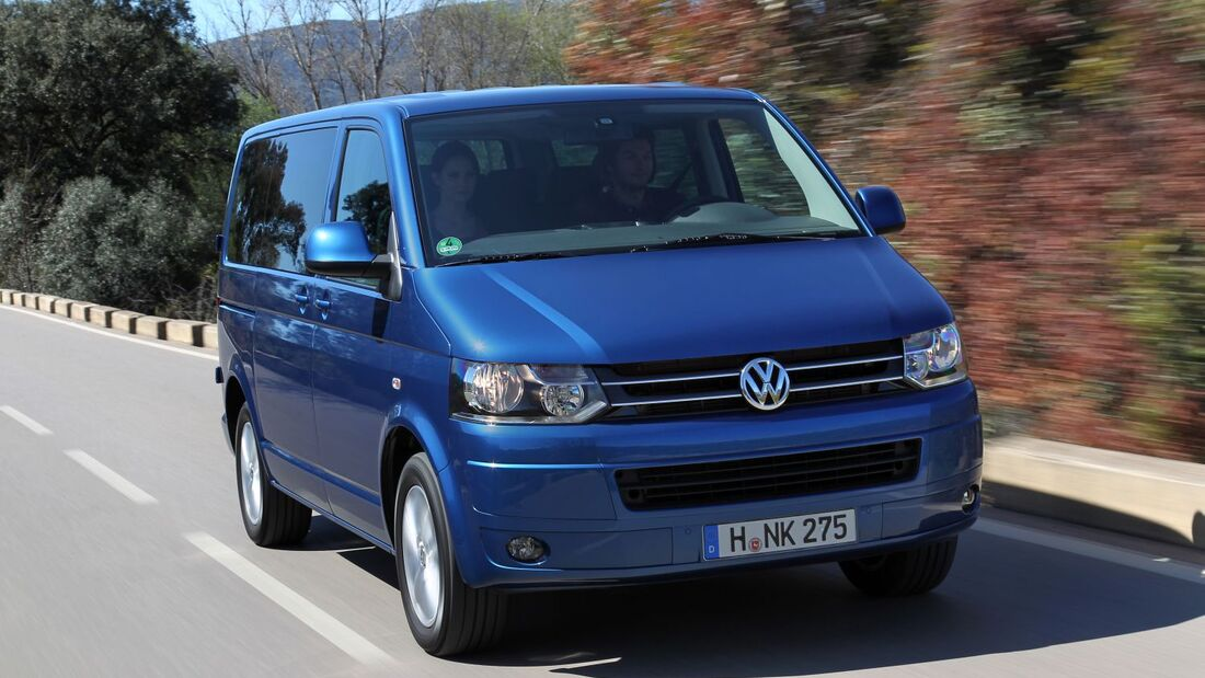 Volkswagen spendet einen T5 Caravelle an das Internationale Auschwitz Komitee: für die Jugendbegegnungsstätte Auschwitz.