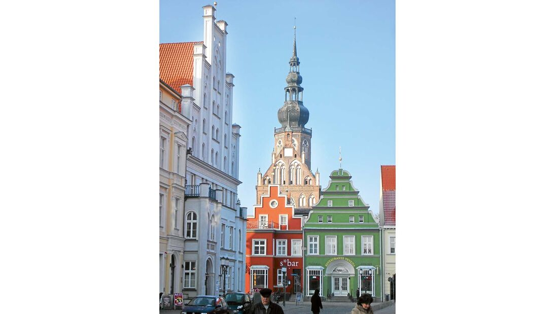 Wahrzeichen der Stadt sind fraglos die Marien- und Nikolaikirche.