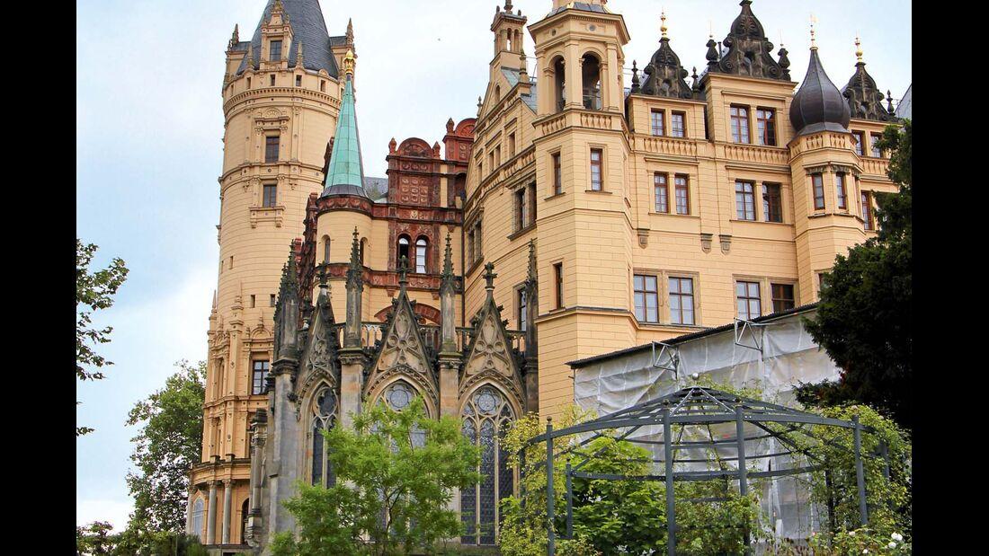 Wahrzeichen von Schwerin neben dem Backsteindom ist das Schloss.