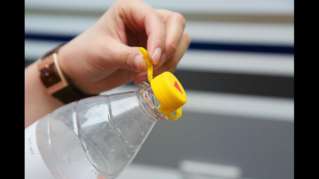 Wasserflasche mit zerstörbarem Verschluss