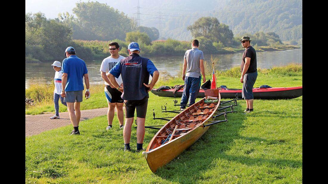 Wasserwanderer am Campingplatz Bootshaus bei Beverungen