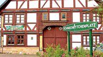 Weberei-Museum am Schneewittchenplatz in Gieselwerder