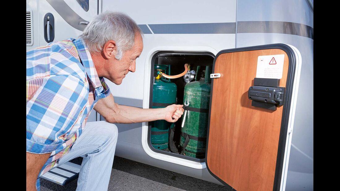 Wegen der kleinen Tür des Gaskastens kann man die Flaschen nicht separat wechseln beim Laika Kreos