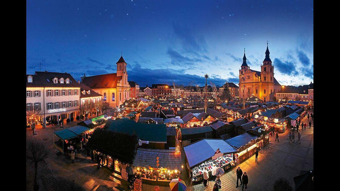 Weihnachtsmarkt im Barock-Stil in Ludwigsburg.