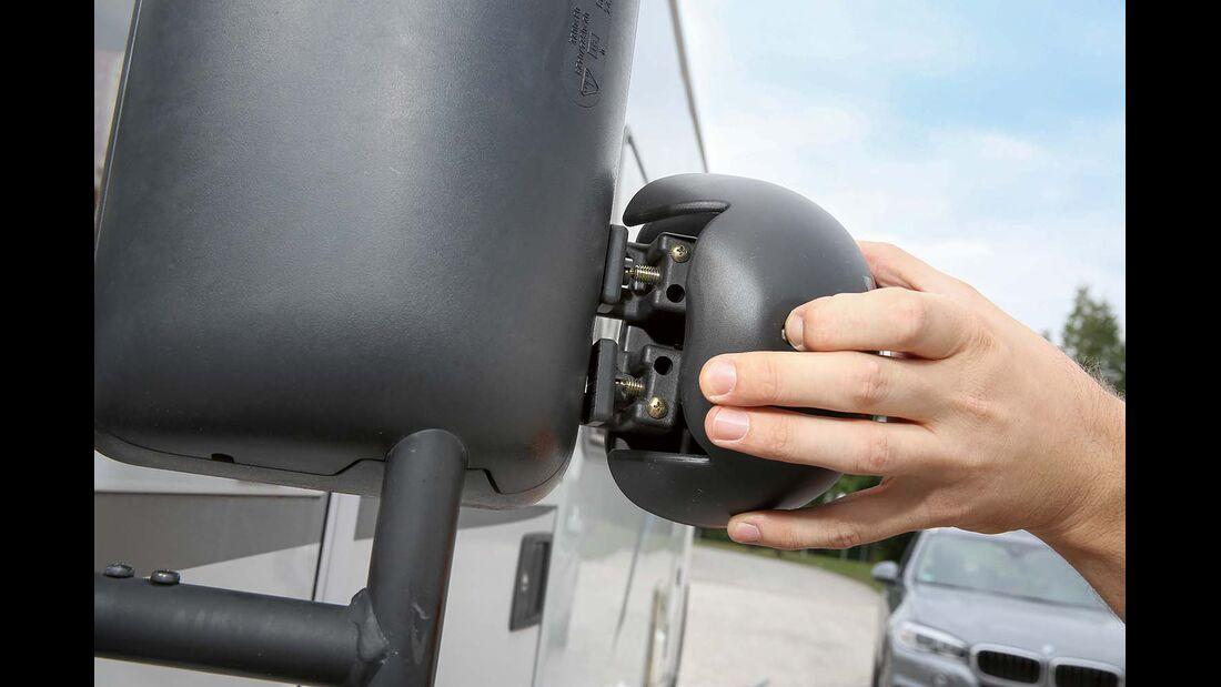 Wenn Aufsteckspiegel aussen montiert werden, verbreitert sich das Fahrzeug.