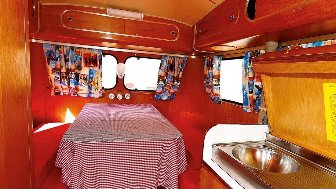 Westfalia-Wohnwagen 310-4 innen