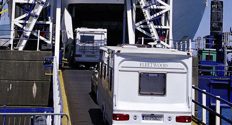 Wohnmobile und Anhänger bis zu vier Meter Breite und zehn Meter Länge fahren  auf der Route Kiel – Göteborg zum Preis eines PKW
