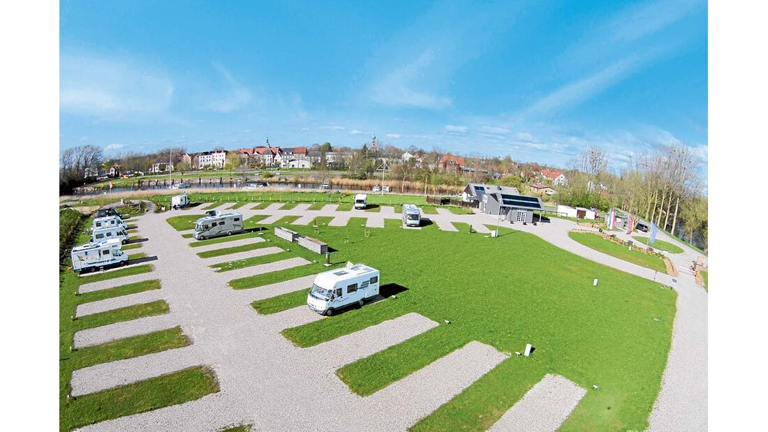 Wohnmobilstellplatz am Halbmond in Friedrichstadt