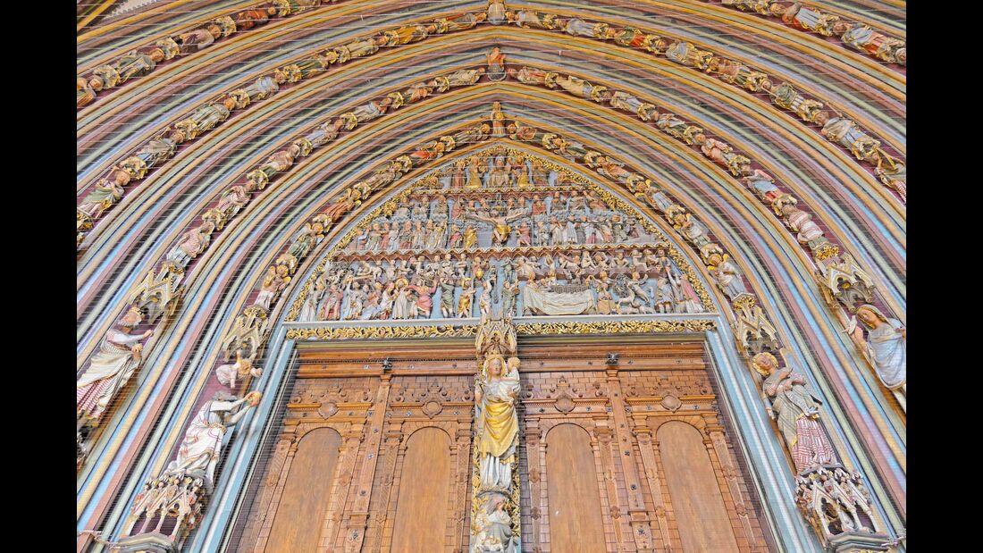 Wurde ab etwa 1200 im romanischen und gotischen Stil  erbaut: das opulente Freiburger Münster.