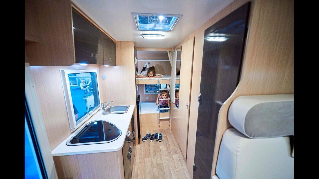 X-GO Viele Plätze zum kleinen Preis? Der Dynamic 39 ermöglicht selbst siebenköpfigen Familien den Reisemobiltraum schon unter 40 000 Euro.