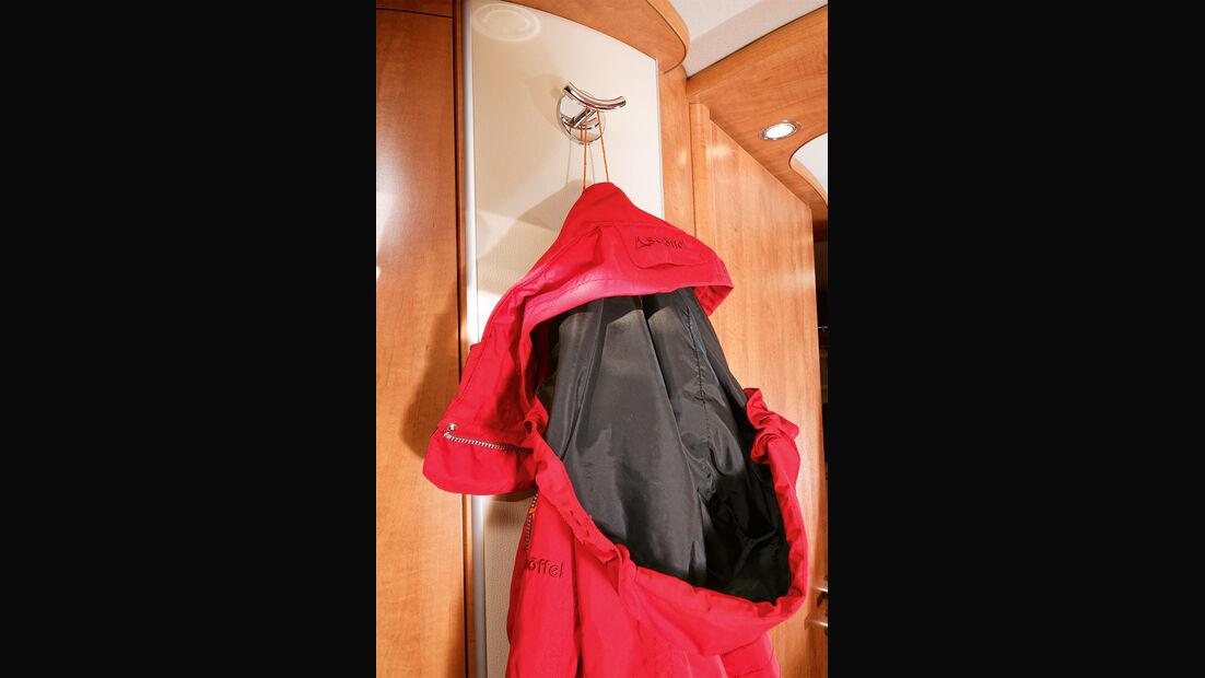 Zur detailreichen und wohnlichen Gestaltung zählt auch die Garderobe.