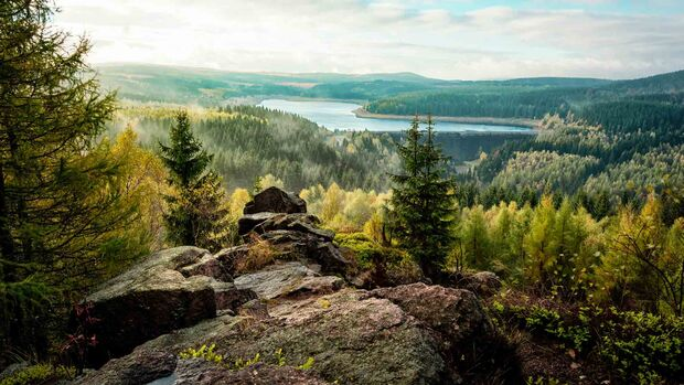 view from rocks to dam flaje